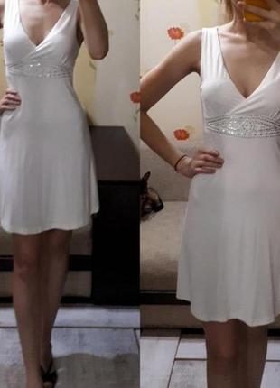 Белое платье стразы