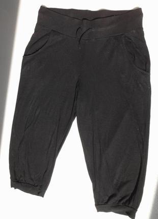 H&m. тонкие штанишки, бриджи из вискозы.  на 8-9 лет.