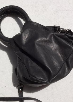 Маленькая сумка кроссбоди. есть нюанс.