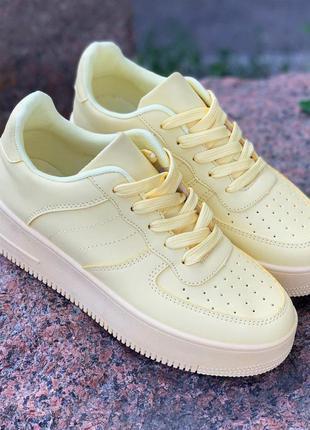 Стильные жёлтые кроссовки,кеды