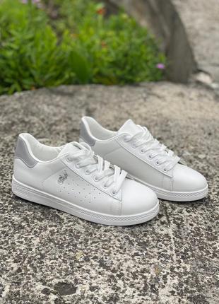Белые кеды, кросовки в наличии