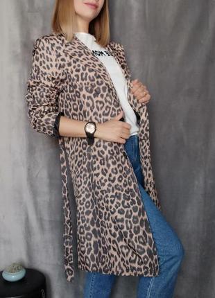 Пальто плащ в анималистический принт куртка леопардовый принт
