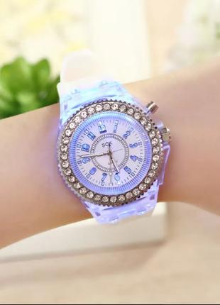 Женские наручные Часы с LED свечением