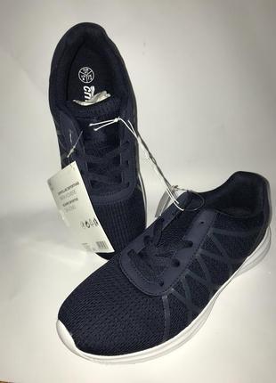 Легкие кроссовки с перфорацией crivit