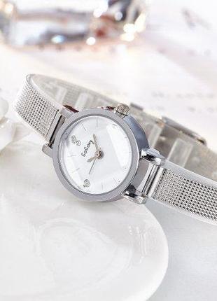 Наручные женские часы (серебро и золото)