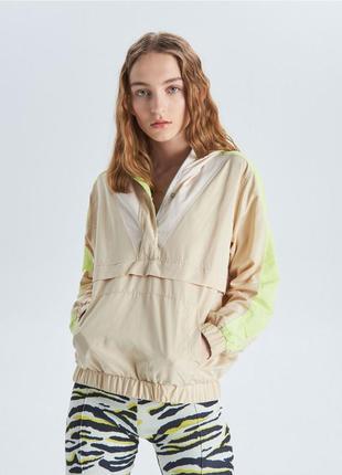 !продам новую женскую спортивную куртку ветровку пиджак накидк...