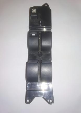 Блок управления стеклоподьемниками Mitsubishi Outlander