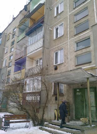 Продається 2х кімнатна квартира на 3му поверсі в смт. Рожнятів