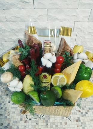 Виготовлення кошиків, букетів, корзинок з їжею, фруктами, солодощ