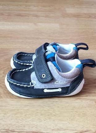 Кожаные кроссовки clarks 20 размера в состоянии новых