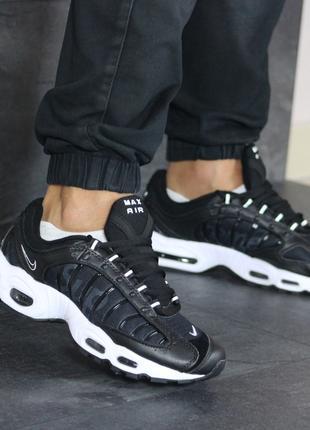Шикарные мужские кроссовки  Nike Supreme