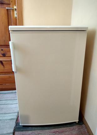 Продам маленький холодильник Gorenje