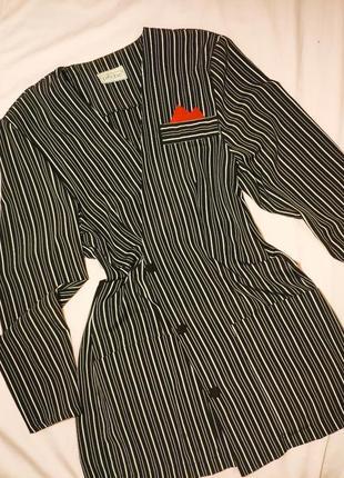 Тренд платье-пиджак в полоску жакет с карманами на пуговицах о...