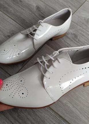 Жіночі туфельки andre original 38 розмір