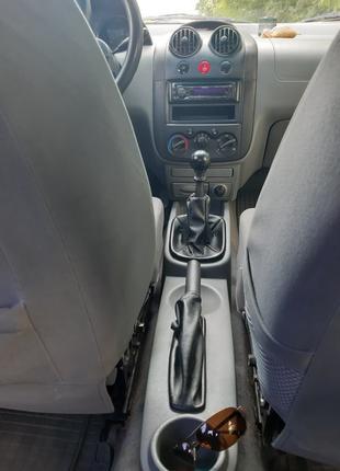 Автомобиль Шевроле Авео