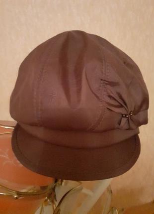 Берет с козырьком Женская шапка