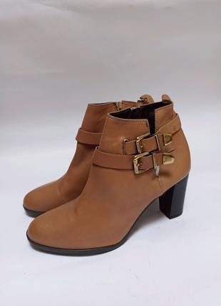 Pier one. полусапоги (ботинки). брендове взуття stock