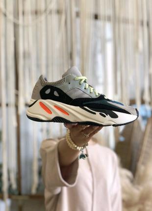 Кроссовки Adidas Yeezy Kanye West 700