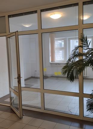 Офис пл.74 кв.м(2 этаж/ж/ф)Оболонский (м.Минская)Без%