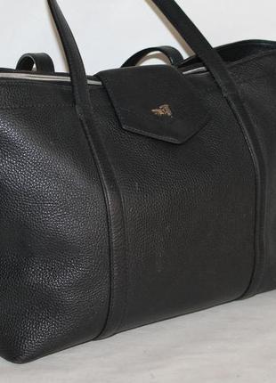 Большая кожаная  сумка от trussardi