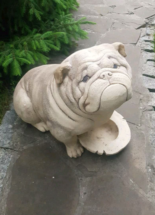 Садовая скульптура Бульдог из керамики