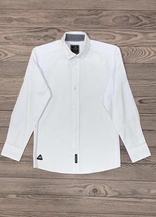 Белая рубашка для мальчика 6-12 лет.