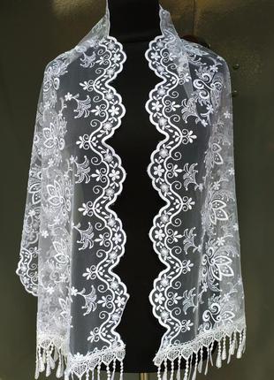 Белый праздничный шарф ажурный для особых случаев