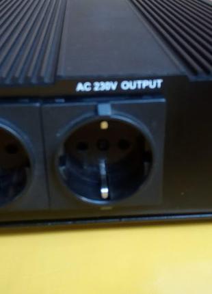 Инвертор UKC 12 - 220 В 3000 Вт.