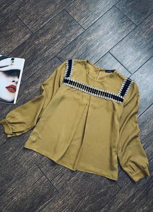 Красивая блуза с камнями сваровски