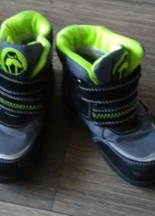 Классные,лёгкие ботинки размер 25 стелька 15.5