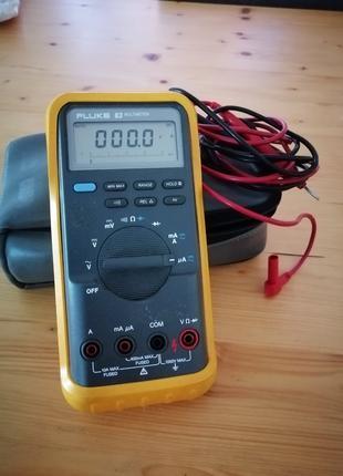 Мультиметр Fluke 83