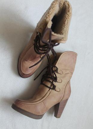 Стильные женские ботинки на шнурках 37 размер (№40)
