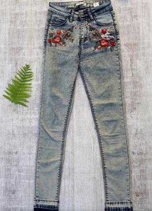 Джинсы скини, джинсы с рисунком