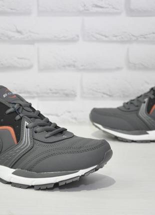 Мужские фирменные кроссовки bona