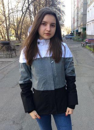 Спортивная удлиненная курточка