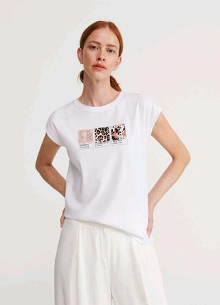 Актуальная футболка с принтом