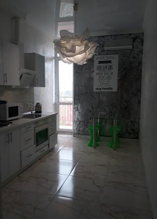 "3- комнатную квартиру в Аркадии, ЖК ""Стикон"""