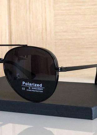 Стильные солнцезащитные очки, типа Polaroid черные