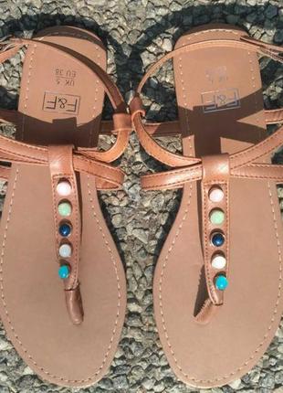 Красивые женские босоножки, сандали, размер 38, новые.