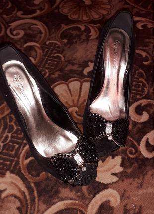 Шикарные, вечерние туфли с открытым носком T.Taccardi by kari