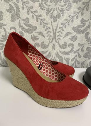 Шикарные туфли на плетёной платформе