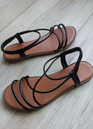 Сезонная распродажа! черные босоножки сандалии