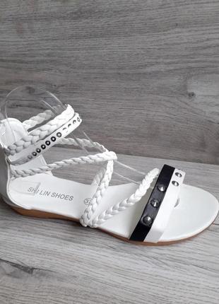 Сезонная распродажа! белые босоножки сандалии