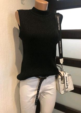 Черная базовая водолазка кофта джемпер свитер