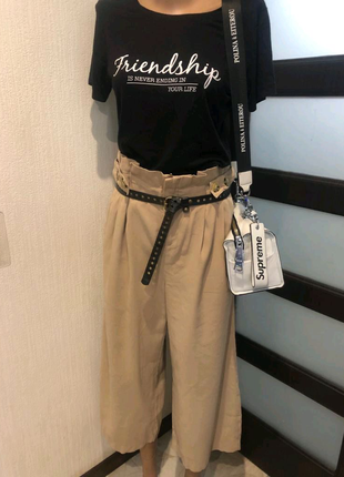 Крутые лёгкие бежевые брюки штаны капри бриджи кюлоты
