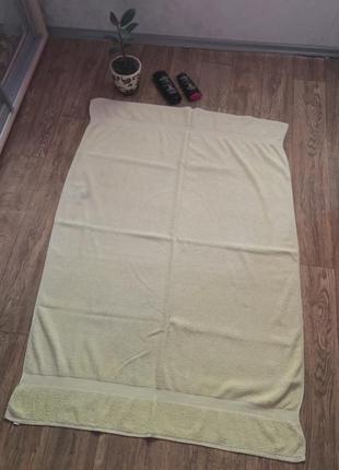 Очень огромное  полотенце ,150  х 105 см .полотенце для ванной.