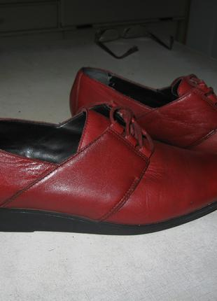 Женские туфли, Англия