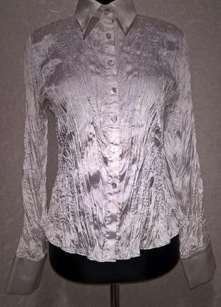 Белая блузка из сжатой ткани, не требующая глажки