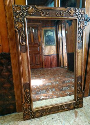 Зеркало в деревянной раме ручная работа