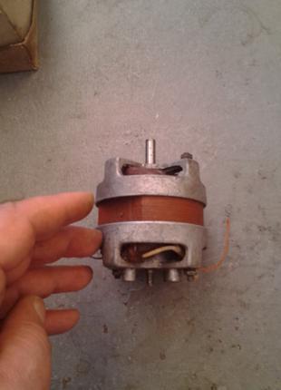 Электродвигатели  CD-1250/NM1Z    (230В,200Вт)-7шт.